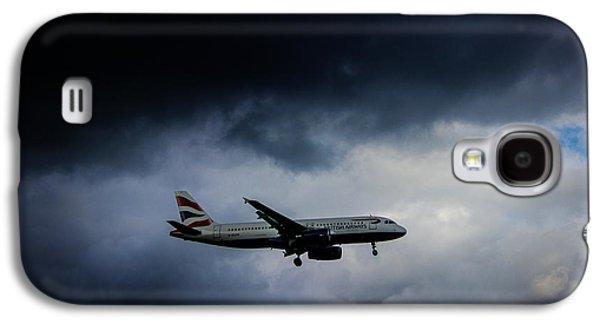 Airplane Photographs Galaxy S4 Cases - British Airways Jet Galaxy S4 Case by Martin Newman