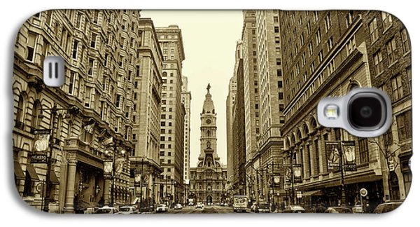 City Digital Art Galaxy S4 Cases - Broad Street Facing Philadelphia City Hall in Sepia Galaxy S4 Case by Bill Cannon