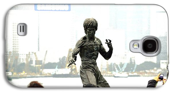 Sha Galaxy S4 Cases - Bruce Lee with 4 Tourists Galaxy S4 Case by Manson Lee
