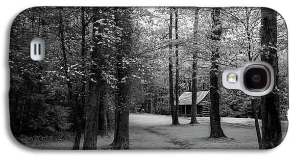 Cabin In Cades Cove Galaxy S4 Case by Jon Glaser
