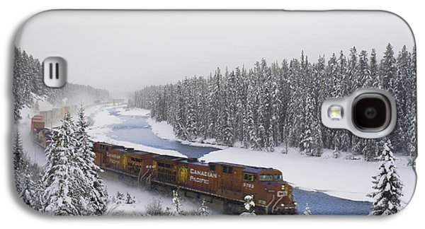 Colour Image Photographs Galaxy S4 Cases - Canadian Pacific Train At Morants Curve Galaxy S4 Case by Darwin Wiggett