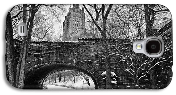 Cold Galaxy S4 Cases - Central Park and the San Remo Building Galaxy S4 Case by John Farnan
