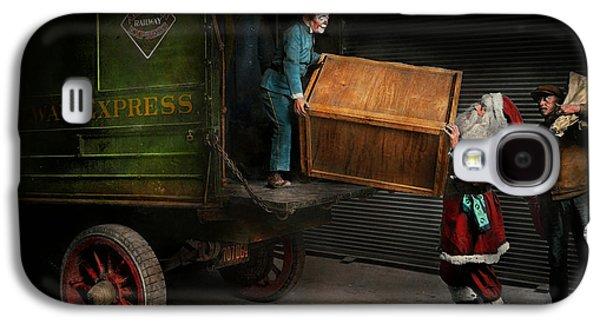 Landmarks Photographs Galaxy S4 Cases - Christmas - How Santa ruined Christmas 1924 Galaxy S4 Case by Mike Savad