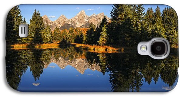 Landscapes Photographs Galaxy S4 Cases - Classic view of Grand Tetons Mountain Range Galaxy S4 Case by Vishwanath Bhat