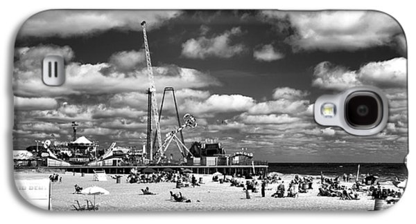 Clouds Over Seaside Heights Mono Galaxy S4 Case by John Rizzuto
