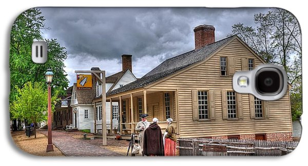 Colonial Man Photographs Galaxy S4 Cases - Colonial Williamsburg 5 Galaxy S4 Case by Todd Hostetter