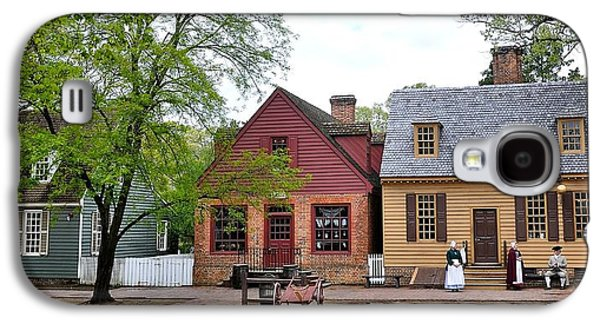 Colonial Man Photographs Galaxy S4 Cases - Colonial Williamsburg 9 Galaxy S4 Case by Todd Hostetter