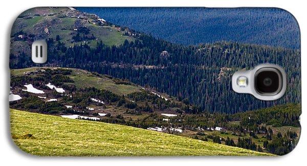 Grazing Snow Galaxy S4 Cases - Colorado Elk Galaxy S4 Case by Marilyn Hunt