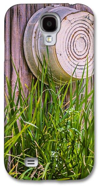 Old Western Photos Galaxy S4 Cases - Country Bath Tub Galaxy S4 Case by Carolyn Marshall