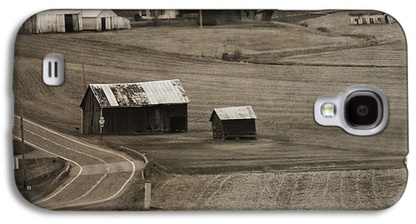 Old Country Roads Photographs Galaxy S4 Cases - Country Road Holmes County Ohio Galaxy S4 Case by Dan Sproul