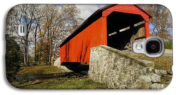 Covered Bridge At Poole Forge Galaxy S4 Case by William Jobes