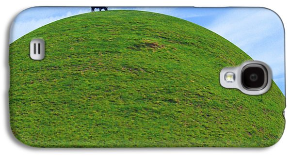Cow Eating On Round Top Hill Galaxy S4 Case by Mike McGlothlen
