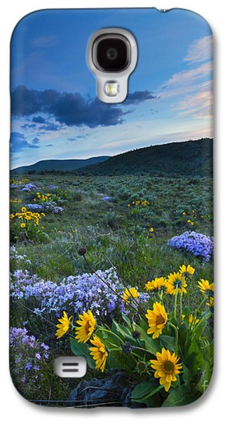 Landscapes Photographs Galaxy S4 Cases - Cowiche Spring Sunset Galaxy S4 Case by Mike Dawson