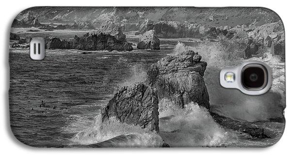 Crashing Waves Big Sur Ca Bw Galaxy S4 Case by Steve Gadomski