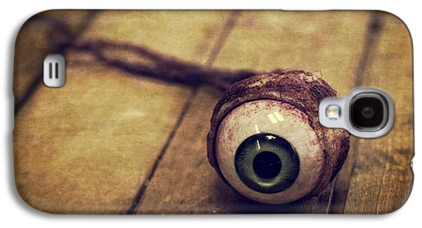 Creepy Photographs Galaxy S4 Cases - Creepy Eyeball Galaxy S4 Case by Edward Fielding