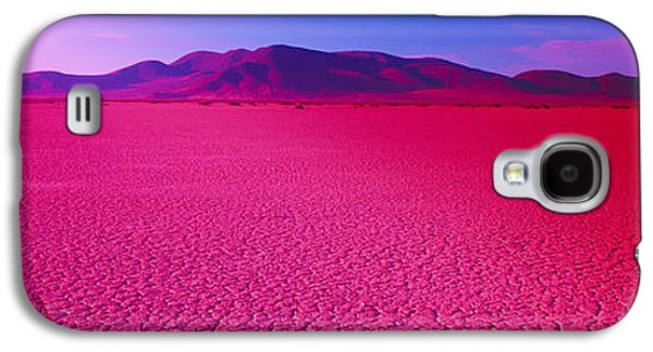 Dry Lake Galaxy S4 Cases - Cuddeback Dry Lake, Mojave Desert Galaxy S4 Case by Panoramic Images