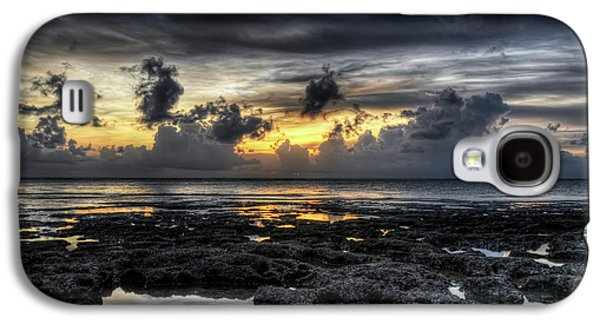 Grey Clouds Photographs Galaxy S4 Cases - Days End Galaxy S4 Case by Ryan Wyckoff