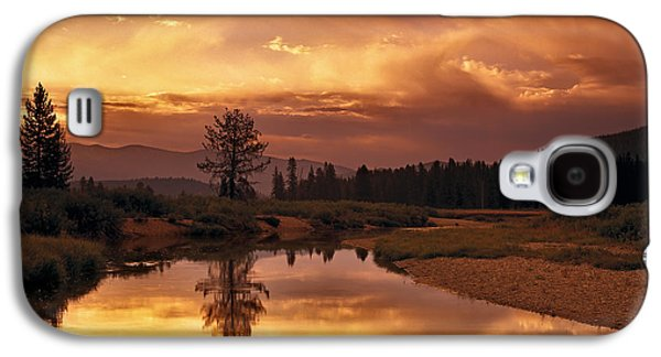 Idaho Photographs Galaxy S4 Cases - Deadwood River Sunrise Galaxy S4 Case by Leland D Howard