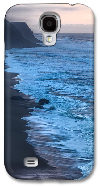 Photographs Galaxy S4 Cases - Deep Blue Galaxy S4 Case by Edgar Laureano