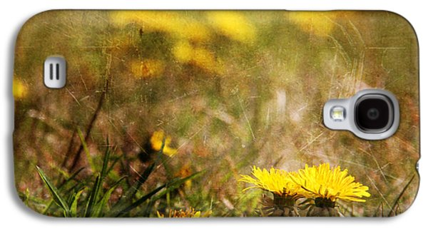 Light Reliefs Galaxy S4 Cases - Dent de Lion Galaxy S4 Case by Dominic Moriarty