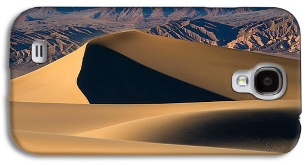 Death Galaxy S4 Cases - Desert Sand Galaxy S4 Case by Mike Dawson