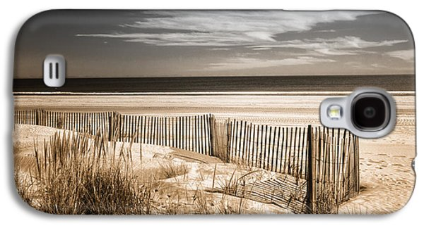 Duo Tone Galaxy S4 Cases - Deserted Beach in Duo-tone Galaxy S4 Case by Carolyn Derstine