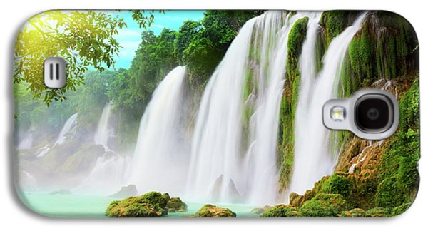 Sun Galaxy S4 Cases - Detian waterfall Galaxy S4 Case by MotHaiBaPhoto Prints