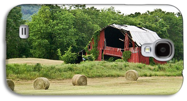Tennessee Hay Bales Galaxy S4 Cases - Dilapidated Old Red Barn Galaxy S4 Case by Douglas Barnett