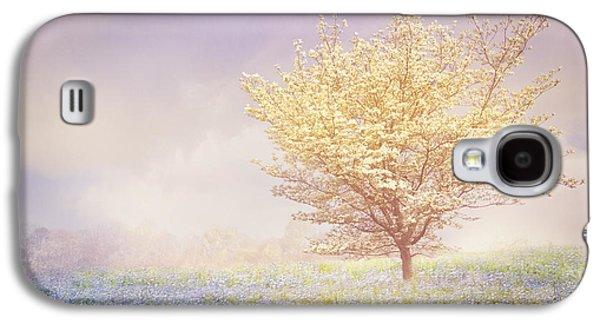 Landscapes Photographs Galaxy S4 Cases - Dogwood in the Mists Galaxy S4 Case by Debra and Dave Vanderlaan