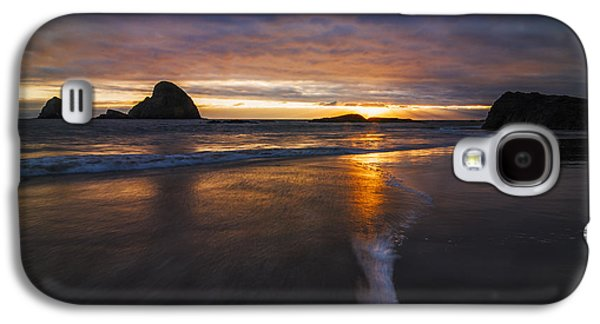 Reflections Of Sun In Water Galaxy S4 Cases - Dramatic Sunset at Ocean Side Beach Galaxy S4 Case by Vishwanath Bhat