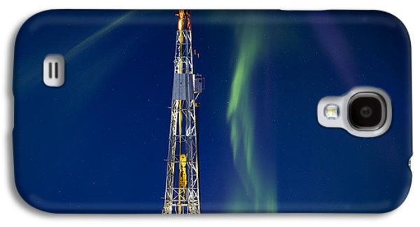 Light Photographs Galaxy S4 Cases - Drilling Rig Saskatchewan Galaxy S4 Case by Mark Duffy
