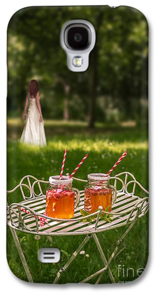 Drink Photographs Galaxy S4 Cases - Drinks In The Park Galaxy S4 Case by Amanda And Christopher Elwell