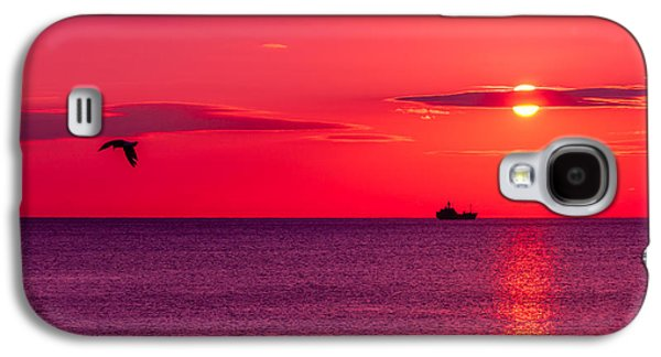 Colorful Abstract Galaxy S4 Cases - Early morning on the sea Galaxy S4 Case by Serhii Simonov