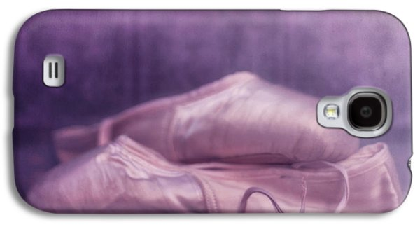Decor Photographs Galaxy S4 Cases - Red Dahlia Galaxy S4 Case by Priska Wettstein