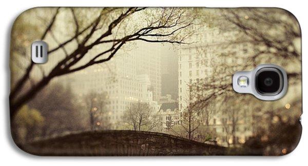 Fog Photographs Galaxy S4 Cases - Fairy of New York Galaxy S4 Case by Irene Suchocki