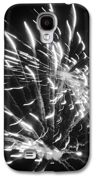 4th July Galaxy S4 Cases - Fireworks in Black and White 2 Galaxy S4 Case by Kelly Hazel