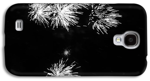 4th July Galaxy S4 Cases - Fireworks in Black and White 3 Galaxy S4 Case by Kelly Hazel