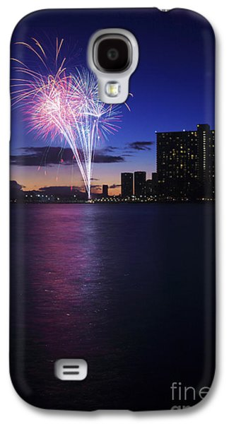 4th July Galaxy S4 Cases - Fireworks over Waikiki Galaxy S4 Case by Brandon Tabiolo - Printscapes