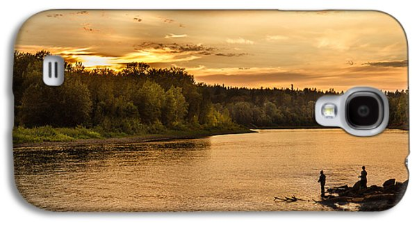 Sun Galaxy S4 Cases - Fishing At Sunset Galaxy S4 Case by Robert Bales