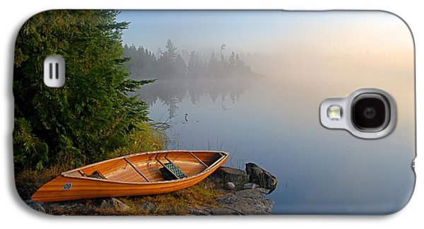 Foggy Morning On Spice Lake Galaxy S4 Case by Larry Ricker