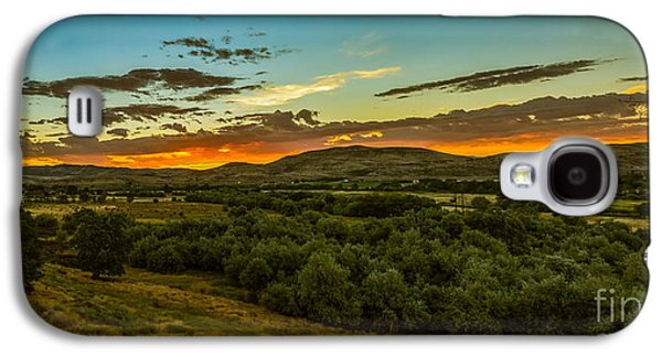 Surreal Landscape Galaxy S4 Cases - Foothills Sunrise Galaxy S4 Case by Robert Bales