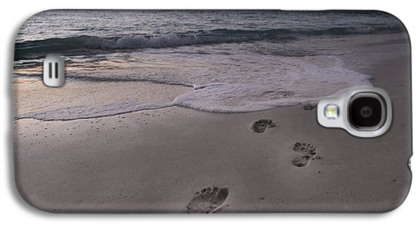 Timing Galaxy S4 Cases - Footprints in the Sand Galaxy S4 Case by Betsy C  Knapp