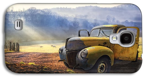 Ford In The Fog Galaxy S4 Case by Debra and Dave Vanderlaan