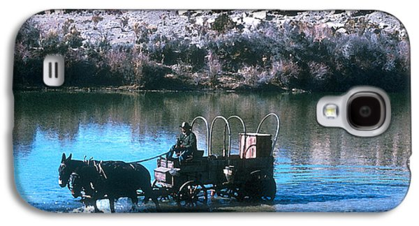 Cattle Drive Photographs Galaxy S4 Cases - Ford The River Galaxy S4 Case by Jerry McElroy