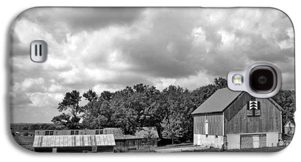 Forest For The Trees - Quilt Barn - Nebraska Galaxy S4 Case by Nikolyn McDonaldFarm Scene - Barns - Nebraska - BW