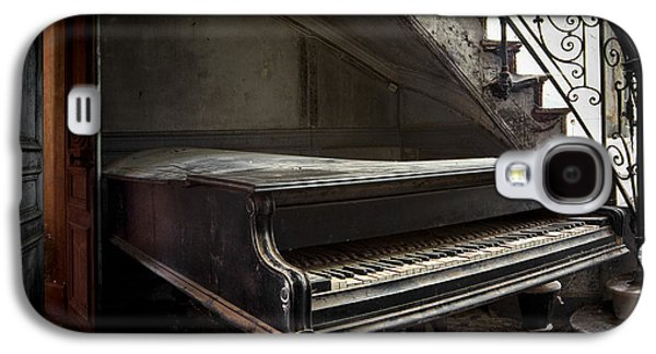 Ancient Galaxy S4 Cases - Forgotten Ancient Piano - Abandoned Building Galaxy S4 Case by Dirk Ercken