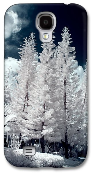 Four Tropical Pines Infrared Galaxy S4 Case by Adam Romanowicz