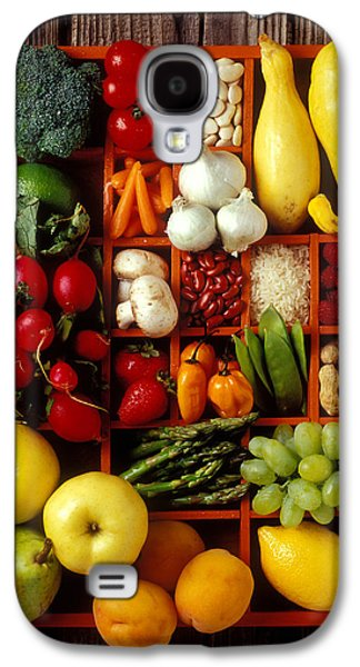 Apple Photographs Galaxy S4 Cases - Fruits and vegetables in compartments Galaxy S4 Case by Garry Gay