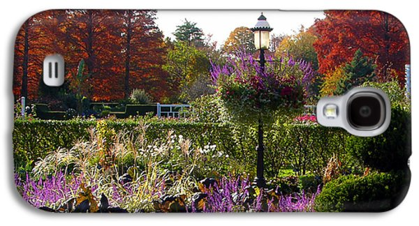 Gas Lamp Photographs Galaxy S4 Cases - Gas Lamp in Garden Galaxy S4 Case by John Lautermilch
