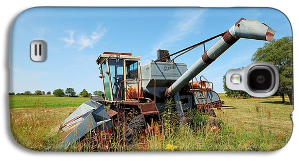 Machinery Galaxy S4 Cases - Gleaner Galaxy S4 Case by Ken DePue